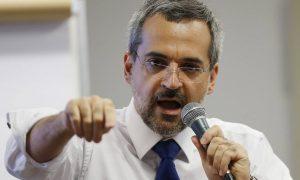 Professores passarão por 'testes regulares', defende ministro da Educação