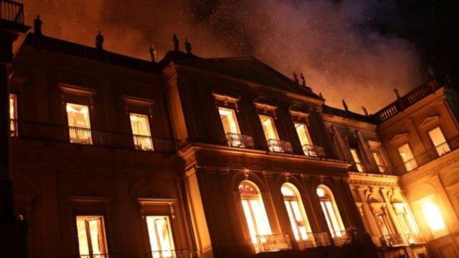 MEC libera 1ª parcela para restaurar fachada do Museu Nacional