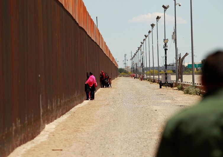 México define limite sobre asilo antes de negociações com os EUA
