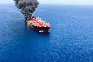 Marinha dos EUA volta a fazer acusações contra Irã em incidente com navios