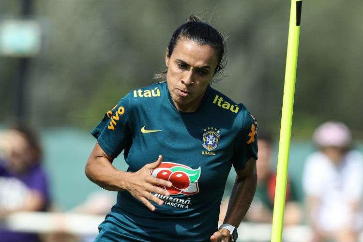 Marta não se recupera e está fora da estreia do Brasil na Copa do Mundo da França