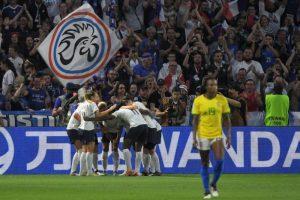 Brasil perde para França na prorrogação e é eliminado da Copa do Mundo feminina