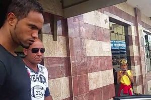 Justiça decide que goleiro Bruno continua preso em Varginha (MG)