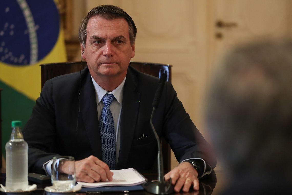 "Bolsonaro demite presidente dos Correios. ""Ele age como sindicalista'"