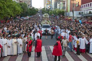Corpus Christi é marcado por missas e procissão