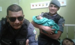 Heróis de farda, policiais e bombeiros militares ajudam até em nascimento de bebês