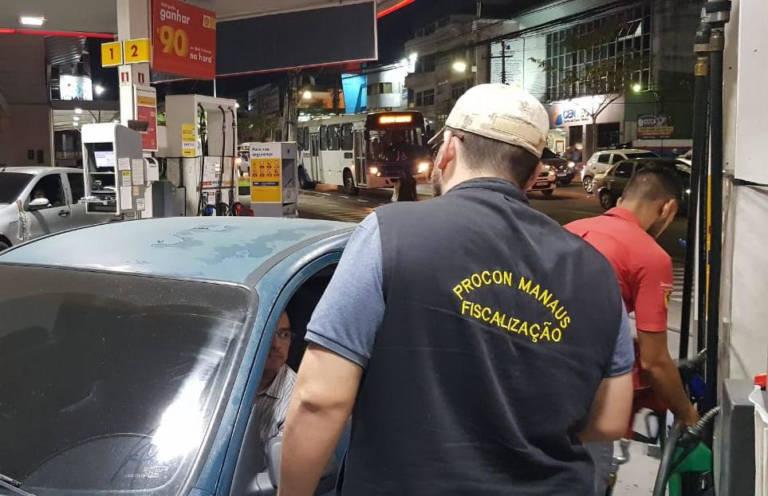 Prefeitura intensifica fiscalização nos postos de combustíveis, em Manaus