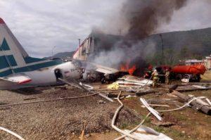 Avião de passageiros cai no leste da Rússia e mata 2 pessoas