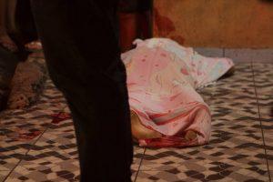 Homem é morto a tiros em frente a casa da namorada, em Manaus