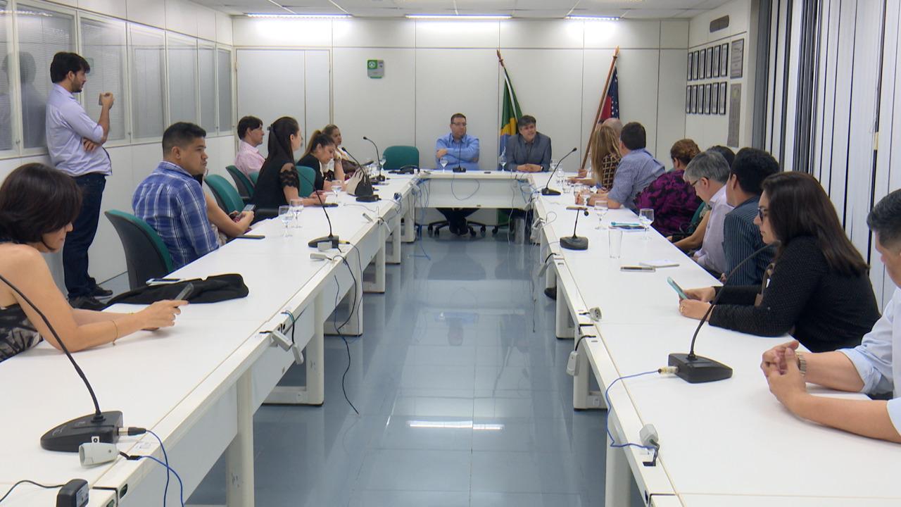 Governo do Amazonas garante pagamento às empresas médicas