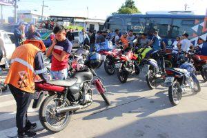 Fiscalização nas zonas oeste e norte de Manaus contabiliza 35 veículos removidos
