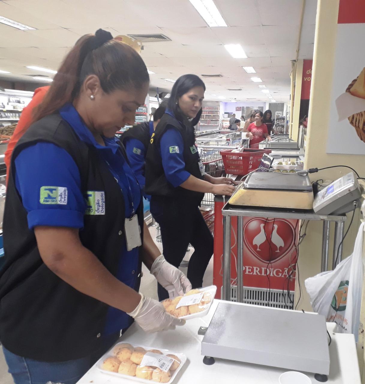 Ipem-AM participa de ação conjunta com Ministério Público Estadual e notifica DB por vender produtos abaixo do peso