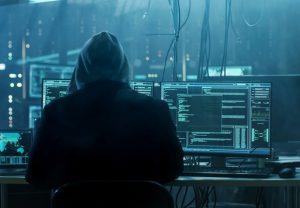 Hacker diz que acessa 'quem quiser e quando quiser' ao invadir grupo do conselho do MP