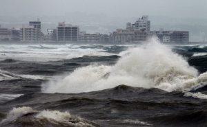 Japão faz alerta de tsunami após tremor ocorrer no mar perto da costa