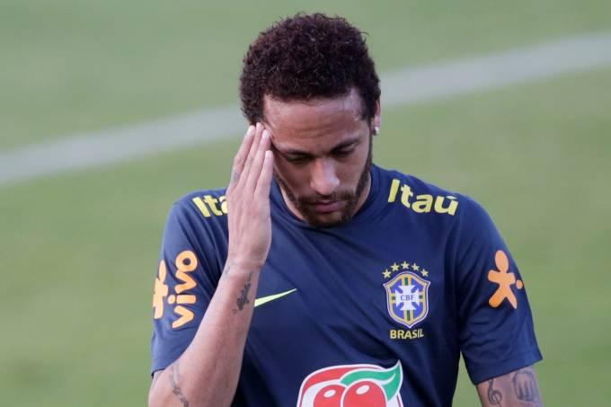 'Neymar quer sair do PSG, mas o clube não quer que ele saia', diz presidente do Barcelona
