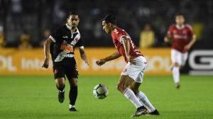 Vasco supera o Inter por 2 a 1 e vence a primeira no brasileirão