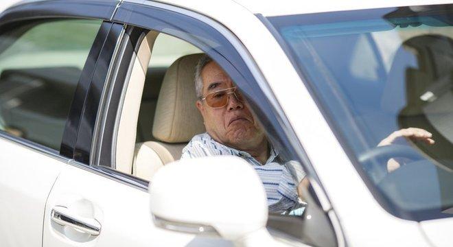 Japão tenta tirar idosos do volante após casos sucessivos de acidentes fatais