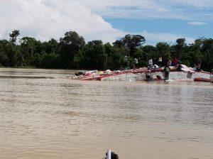 Tragédia: Barco afunda perto da comunidade Bacada, em Carauari e tem 6 desaparecidos