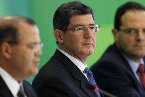 Diretor do BNDES renuncia após Bolsonaro ameaçar demissão