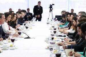 """""""Se forçar a barra, não aprova nada"""", diz Bolsonaro sobre Previdência"""