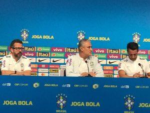 """""""Não posso julgá-lo"""", diz Tite sobre acusação contra Neymar"""