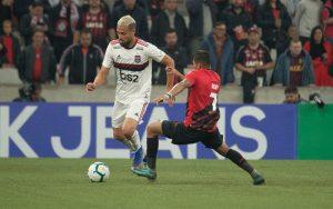 Athletico enfrenta o Flamengo por vaga na semifinal com paraense notime titular