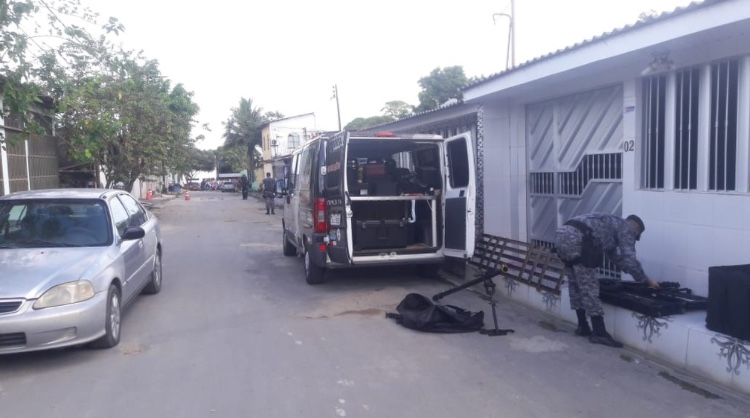 Criança encontra granada no quintal de casa, em Manaus