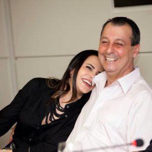 Omar e Nejmi apagam perfis no instagram após serem alvos da PF