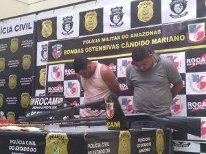Dupla é presa em flagrante com fuzil no Tancredo Neves, em Manaus