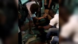 Vídeo mostrapassageiros feridos em ônibus após tiroteio