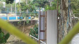 Prefeitura de Manaus retira banheiro improvisado no Coroado