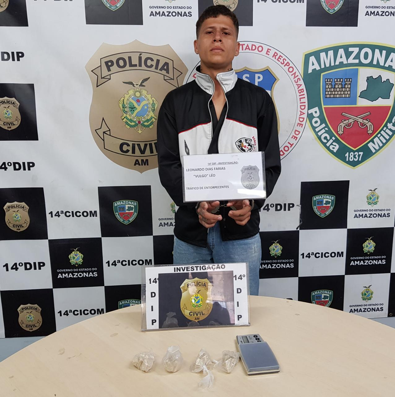 Jovem é preso com porções de oxi e balança de precisão no bairro São José Operário