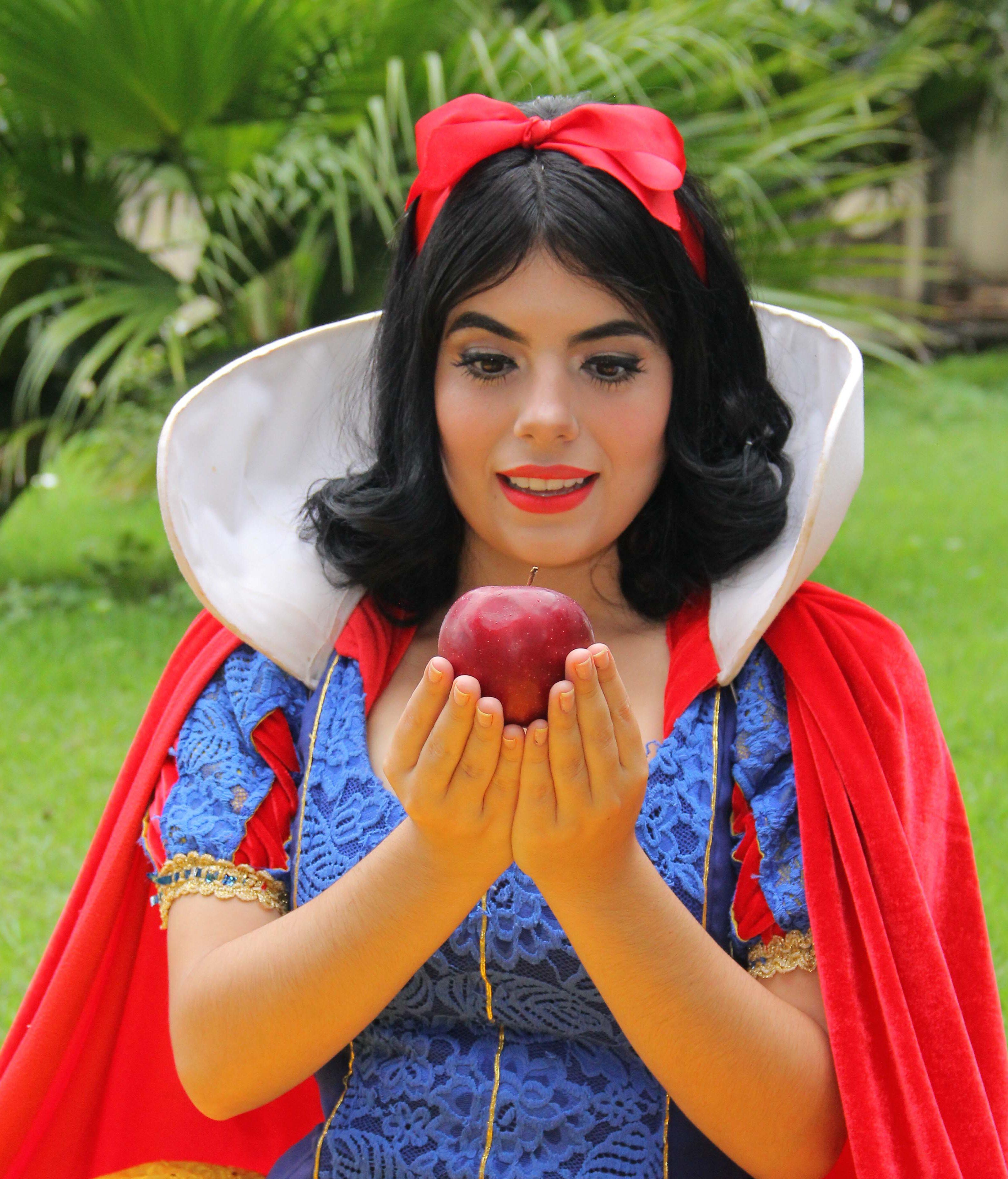 Branca de Neve será encenada neste domingo (14), no Teatro Amazonas