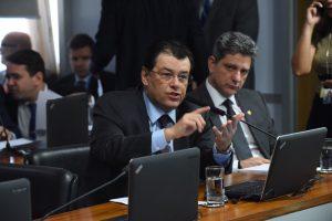 Emenda de Eduardo Braga garante ganhos reais para salário mínimo em 2020