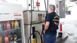 Nova baixa da Petrobras ainda não foi repassada aos postos, de acordo com fiscalização do Procon-AM
