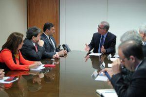 Wilson Lima e ministro de Minas e Energia discutem fomento à cadeia produtiva do gás natural no Amazonas