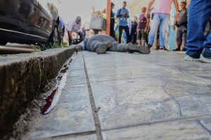 Homem é morto por 'justiceiro' após assalto no Parque Dez, em Manaus