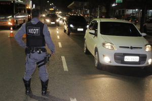 Quatorze motoristas são flagrados embriagados em fiscalizações de trânsito no final de semana