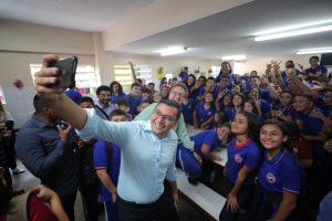Wilson Lima lança pacote de programas pedagógicos para rede pública estadual