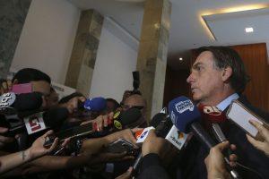 Bolsonaro diz que apoia suspensão da tabela do frete