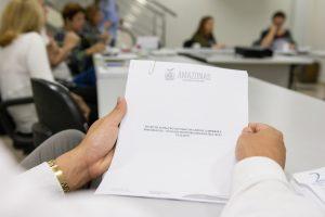 Criada comissão para revisar PCCR que beneficiará aposentadoria de servidores de 27 secretarias e órgãos do Amazonas