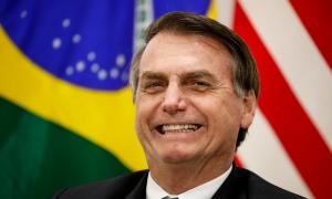 Bolsonaro diz que há estudos para baixar impostos de jogos eletrônicos