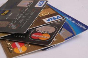 Juros do cartão e do cheque especial ficam mais caros em junho, diz BC