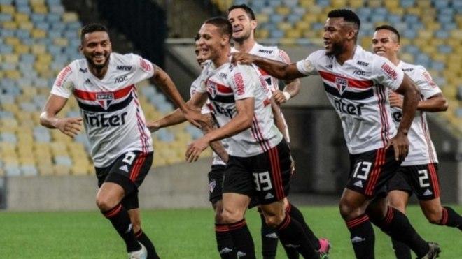 Com gol nos acréscimos, São Paulo vence o Fluminense no Maracanã