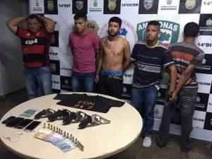 Bando é preso com armas, munições e com uma camisa com a sigla FDN, em Manaus