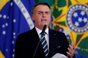 Bolsonaro confirma investigação de ameaça com plano para matá-lo