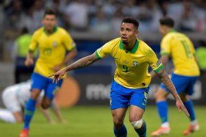 Brasil segura Argentina, ganha por 2 a 0 e vai à final da Copa América