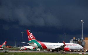 Passageiro clandestino cai de avião antes de pouso em Londres