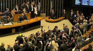 Bolsonaro participa de sessão em homenagem aos 42 anos da IURD