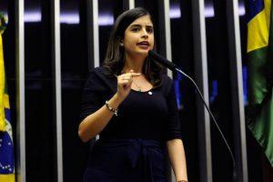 PDT ameaça expulsar Deputada Tabata Amaral caso ela vote a favor da reforma da previdência